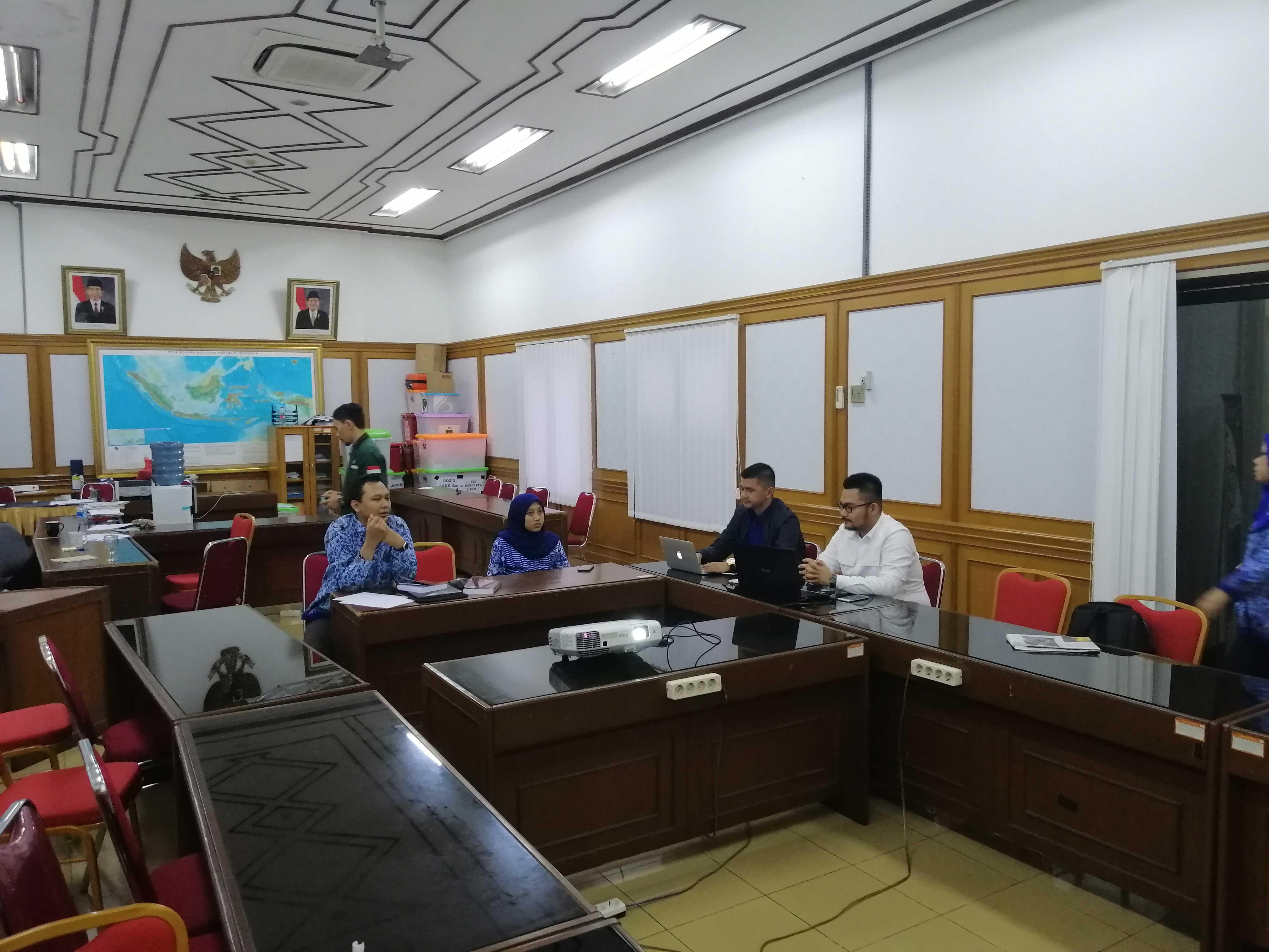 Foto dengan KPU 2