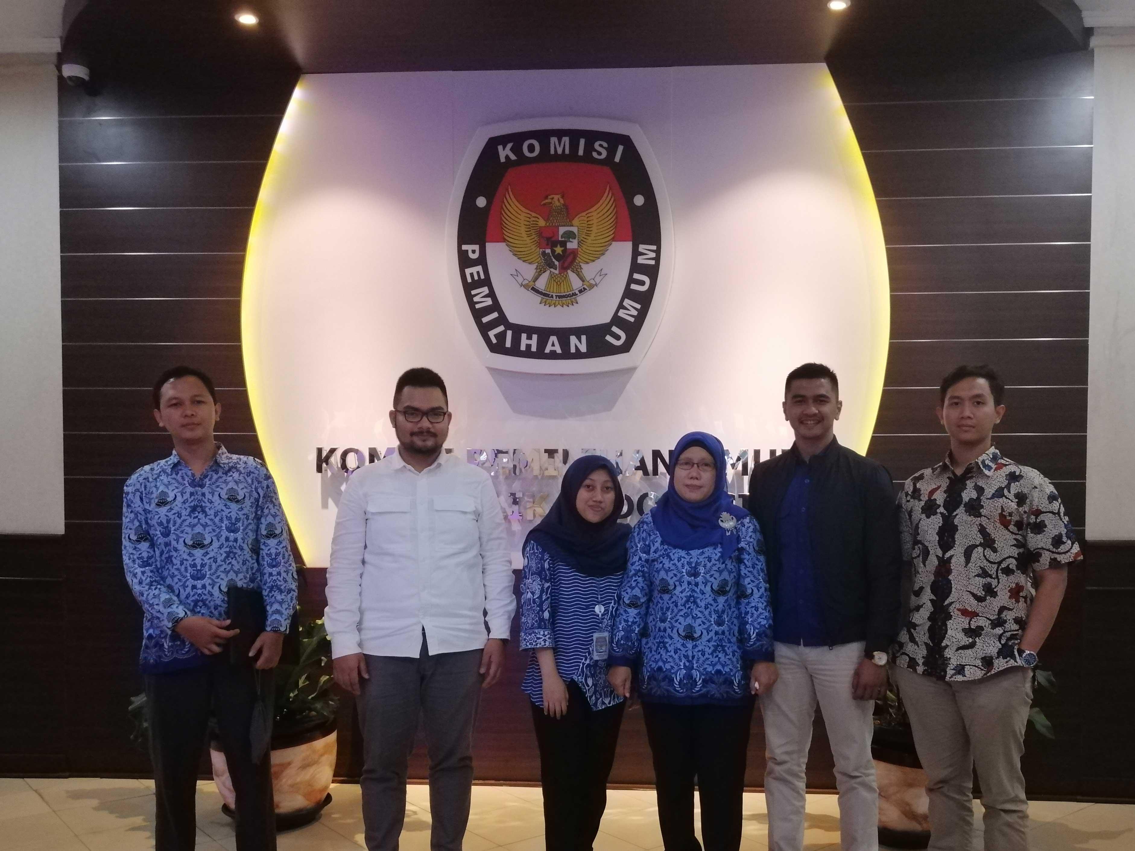 Foto dengan KPU 1